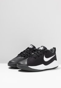 Nike Performance - TEAM HUSTLE QUICK 2 UNISEX - Basketbalové boty - black/white/anthracite/volt - 3