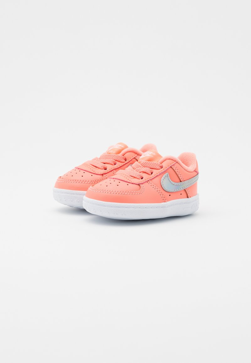 pañuelo reunirse Determinar con precisión  Nike Sportswear FORCE 1 CRIB - Scarpe neonato - atomic pink/metallic dark  grey/white/fuxia - Zalando.it