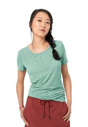 TRAVEL DRAPE - Sports shirt - light jade
