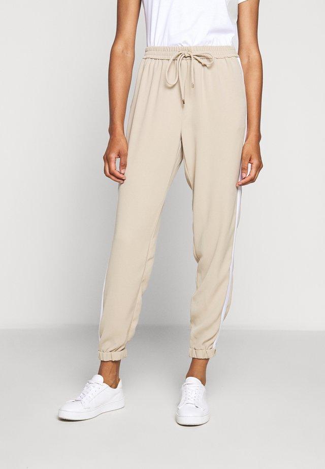 STRIPE TRACK PANT - Spodnie materiałowe - khaki