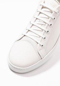 ETQ - Sneakers laag - white - 5