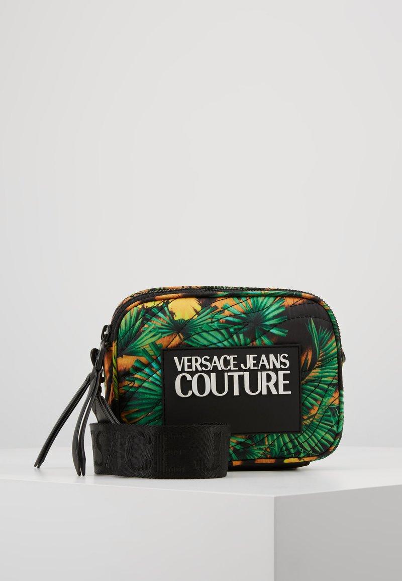 Versace Jeans Couture - JUNGLE PRINT CAMERA - Umhängetasche - multicoloured