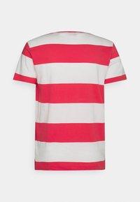 GANT - CREST - T-shirt med print - paradise pink - 7