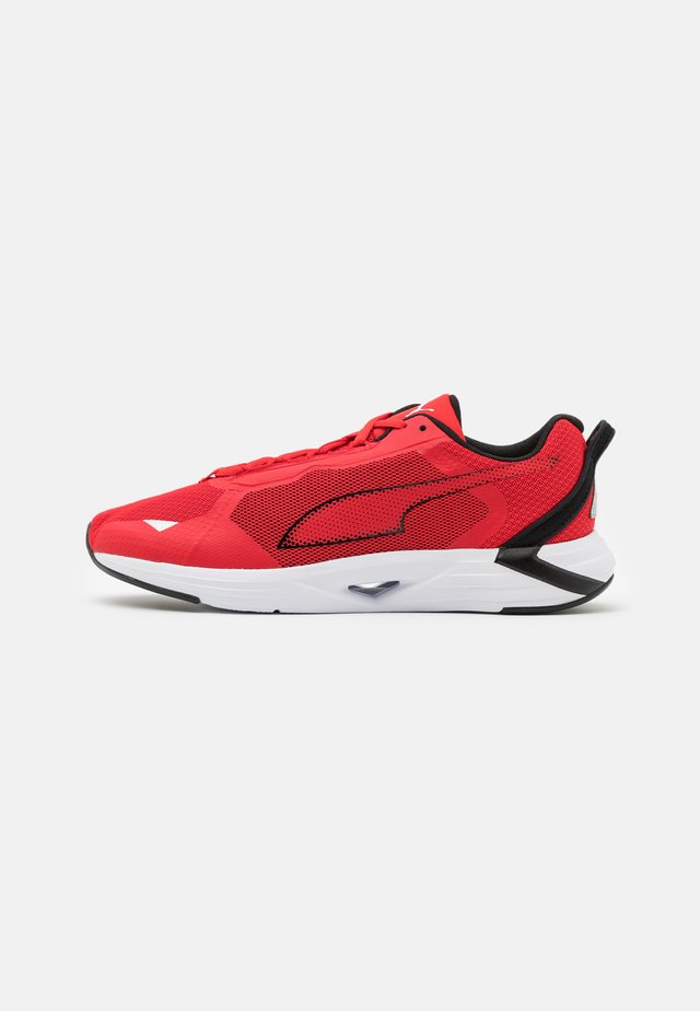 MINIMA UNISEX - Neutral running shoes - high risk red/black