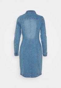 Vero Moda - VMAVIIS STITCH DRESS - Vestito di jeans - medium blue denim - 1