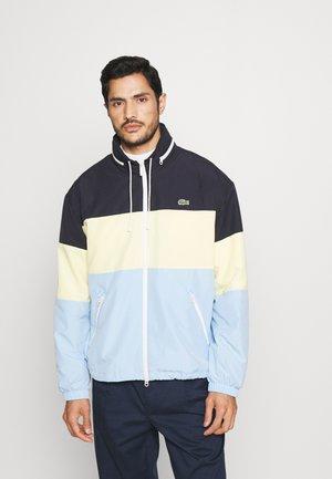 BH8063 - Light jacket - navy blue/yellow