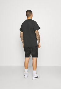 Nike Sportswear - RETRO TEE - T-shirt imprimé - off noir - 2