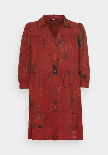 VEST SEVILLA - Košilové šaty - red