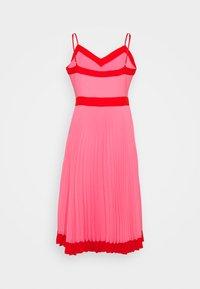 Milly - JILL PLEAT POLY DOBBY DRESS - Korte jurk - watermelon/coral - 7