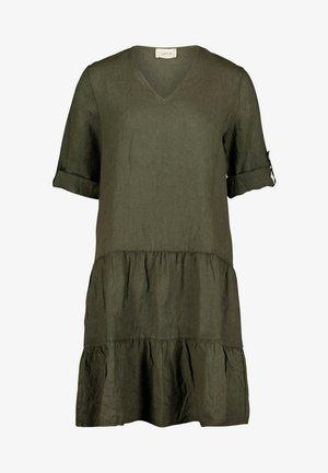 MIT STUFEN - Vapaa-ajan mekko - dunkelgrün