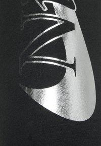 Nike Sportswear - PANT - Teplákové kalhoty - black - 5