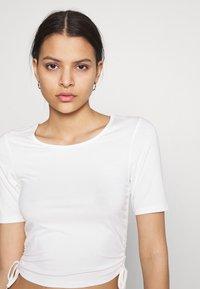 NA-KD - HOSS DRAWSTRING DETAIL - Basic T-shirt - white - 3