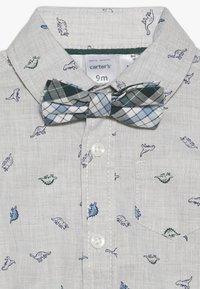 Carter's - BABY SET - Teplákové kalhoty - grey - 5