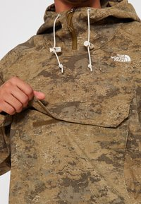 The North Face - PRINTED CLASS FANORAK - Outdoorová bunda - olive - 8