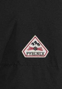 PYRENEX - GILEN - Bunda zprachového peří - black - 2