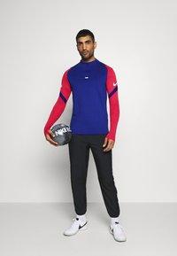 Nike Performance - DRY STRIKE DRILL - Funktionströja - deep royal blue/dark beetroot/white - 1