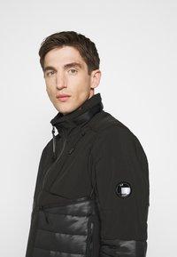 C.P. Company - OUTERWEAR SHORT JACKET - Lehká bunda - black - 3