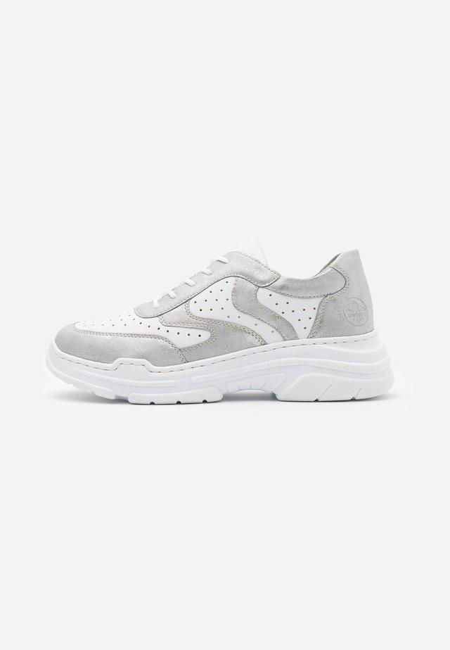 Sneakersy niskie - ice/weiß