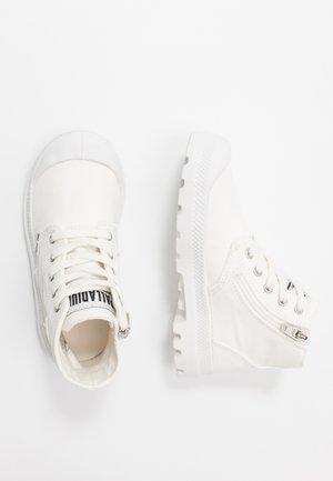PAMPA - Botines con cordones - star white