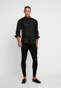 Twisted Tailor - FARROW - Camicia - black - 1