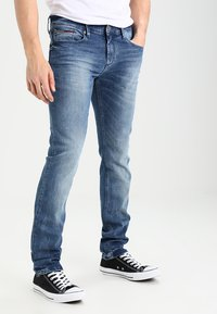 Tommy Jeans - SCANTON BEMB - Jeans slim fit - berry mid blue comfort - 0