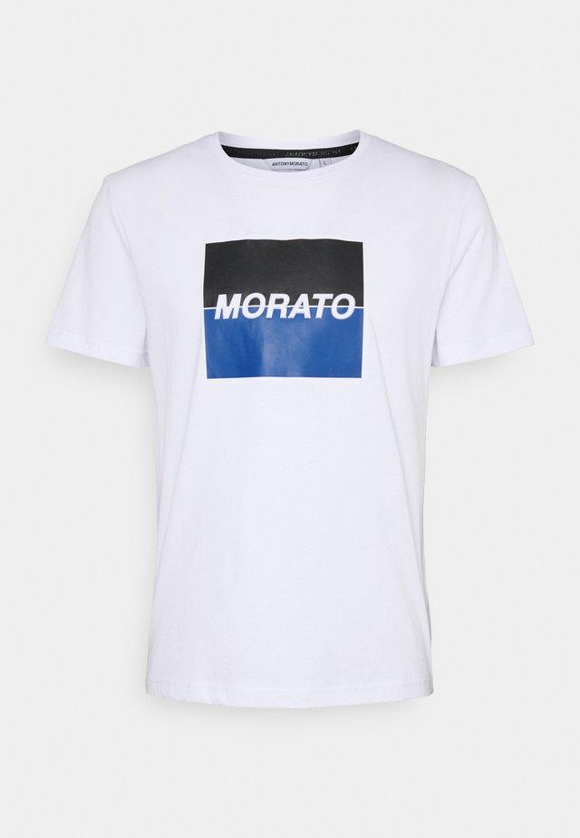 SLIM FIT WITH LOGO  - T-shirts print - bianco