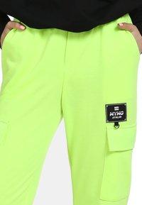 myMo ATHLSR - Trainingsbroek - neon grün - 3