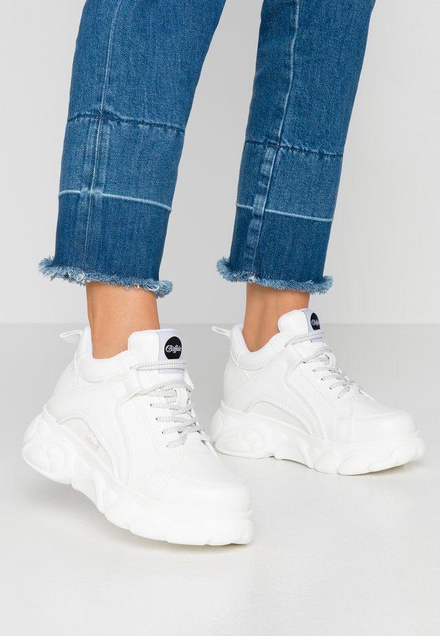 CORIN - Sneakers laag - white