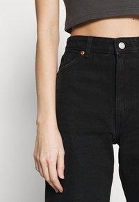 Monki - AGATHA CULOTTES - Shorts di jeans - black dark - 5