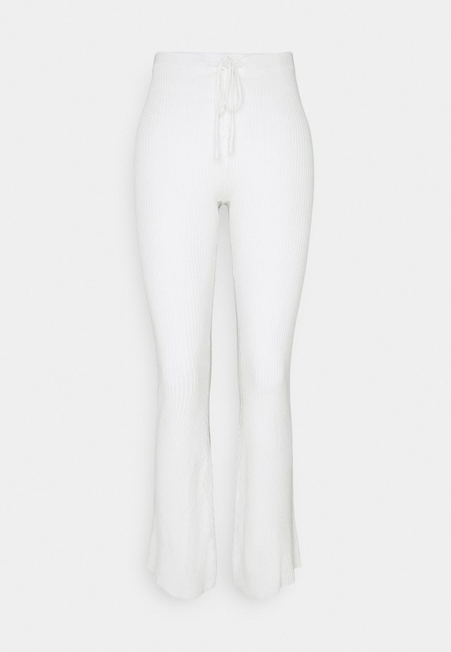 LACE UP DETAIL FLARES - Bukse - white