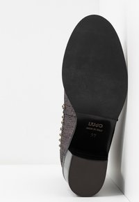 Liu Jo Jeans - OLIVIA - Classic ankle boots - pewter - 6