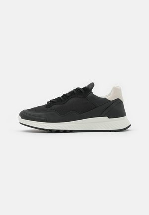 ST.1 - Sneakersy niskie - black/shadow white