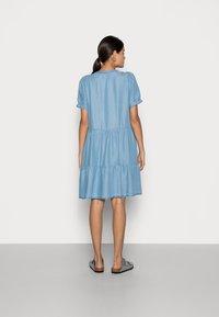 Freequent - ROSIE - Denim dress - light blue - 2
