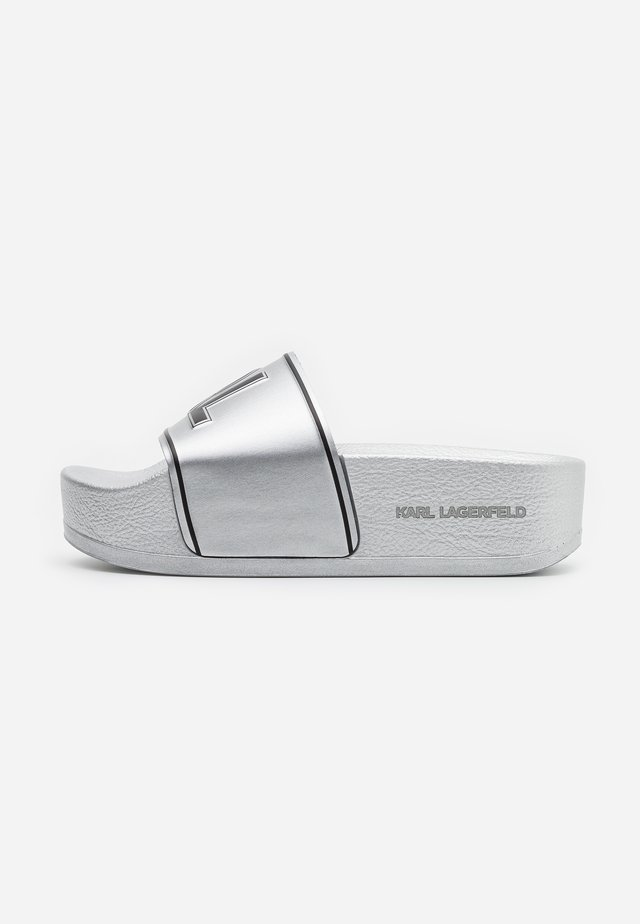 KONDO MAXI PLATFORM SLIDE - Mules - silver
