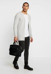 Calvin Klein - PRIMARY GUSSET LAPTOP BAG - Aktovka - black - 1