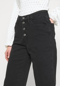 Levi's® - MILE HIGH BUTTONS - Flared Jeans - dust and ash - 3