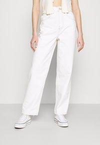 BDG Urban Outfitters - MODERN BOYFRIEND JEAN - Kalhoty - milk white - 0