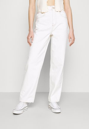 MODERN BOYFRIEND JEAN - Trousers - milk white