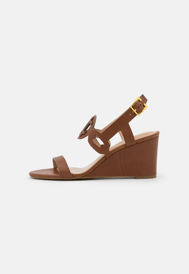 AMILEA - Wedge sandals - deep saddle tan