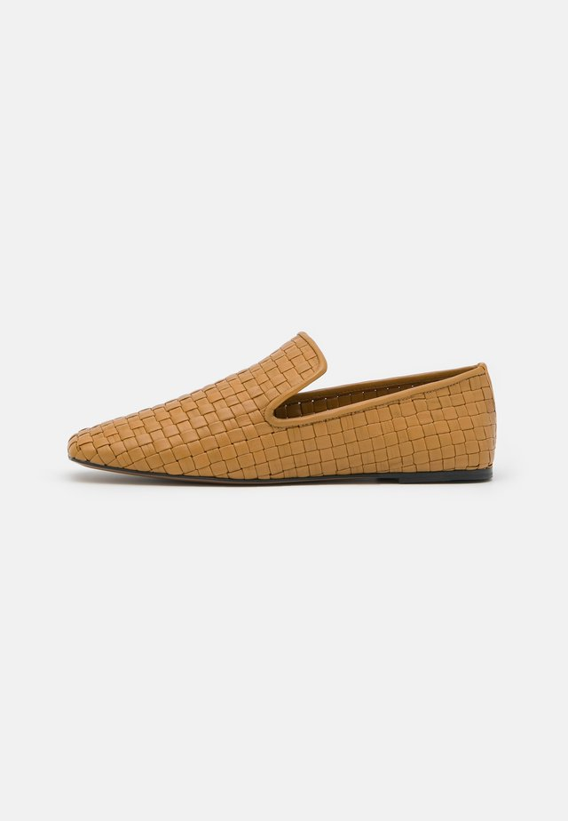 SLIPPERS - Mocassins - yellow cognac