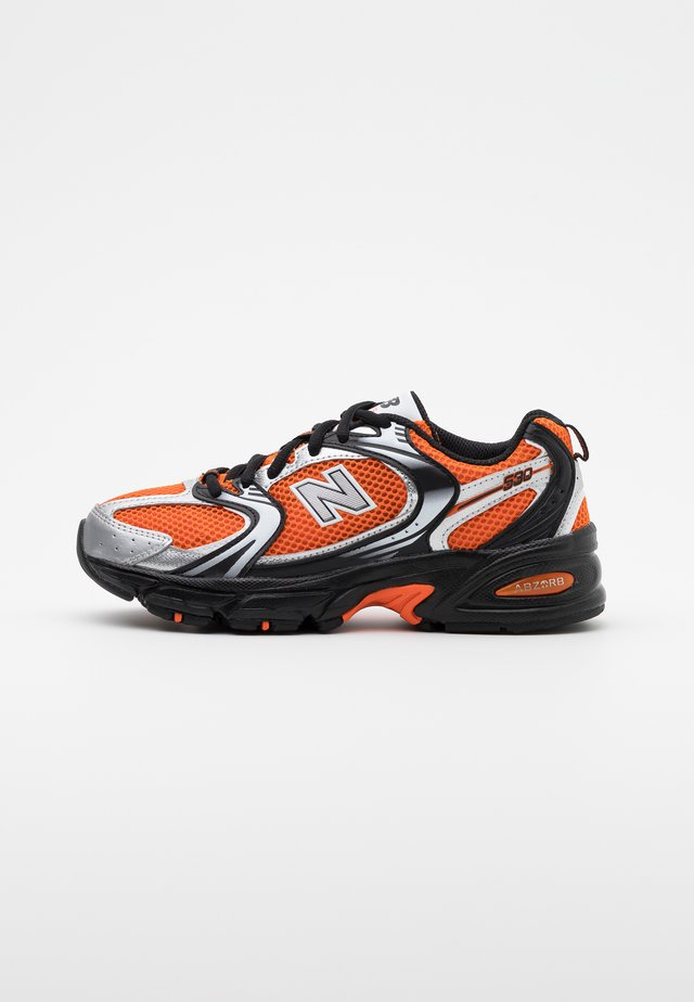MR530 - Sneakers laag - orange