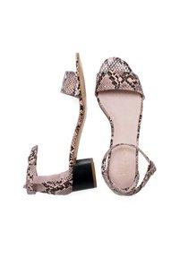 Eva Lopez - Ankle cuff sandals - pink - 3