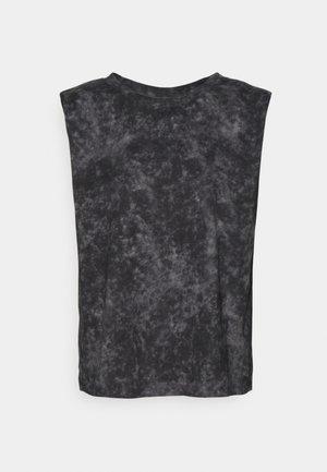 Toppi - black wash