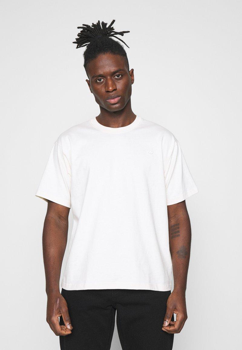 adidas Originals - PREMIUM TEE UNISEX - T-shirt basic - off-white