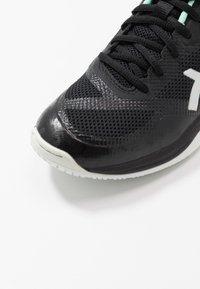 ASICS - NETBURNER BALLISTIC FF - Volejbalové boty - black/pure silver - 5
