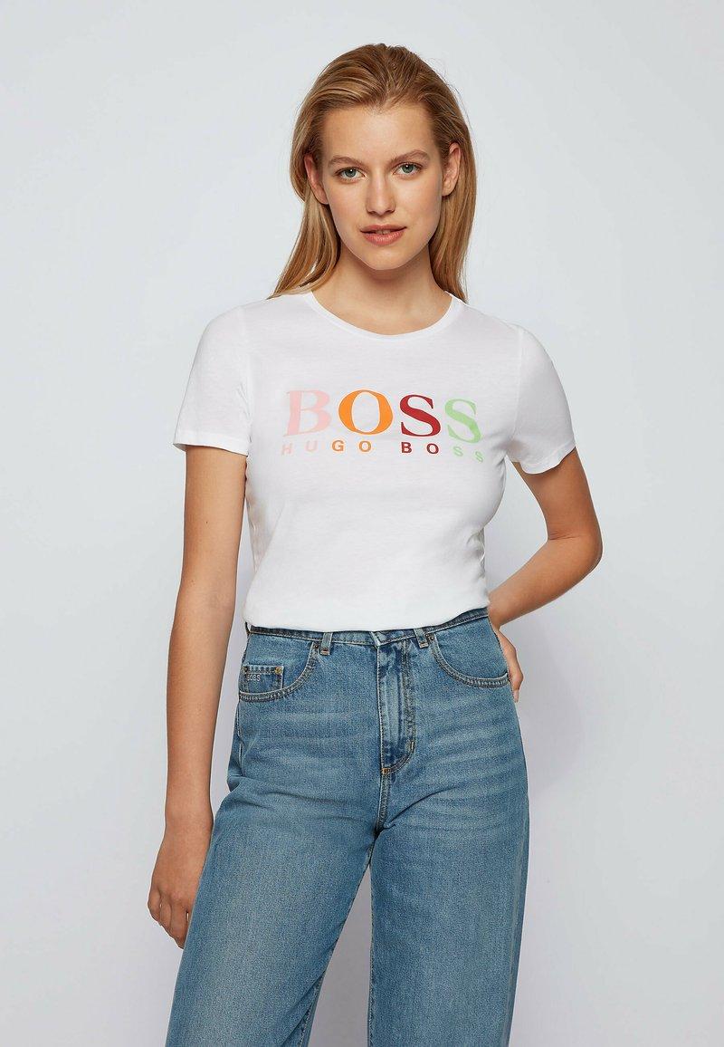 BOSS - ETIBOSS - Print T-shirt - white
