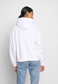 Cotton On - HARPER BOXY GRAPHIC HOODIE - Sweat à capuche - white - 2