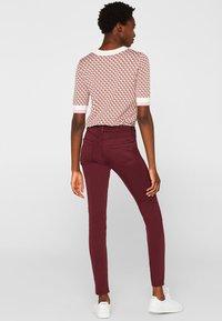 Esprit - SUPERSTRETCH - Jeans Skinny Fit - garnet red - 2
