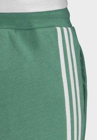 adidas Originals - 3-STRIPES JOGGERS - Trainingsbroek - turquoise - 6