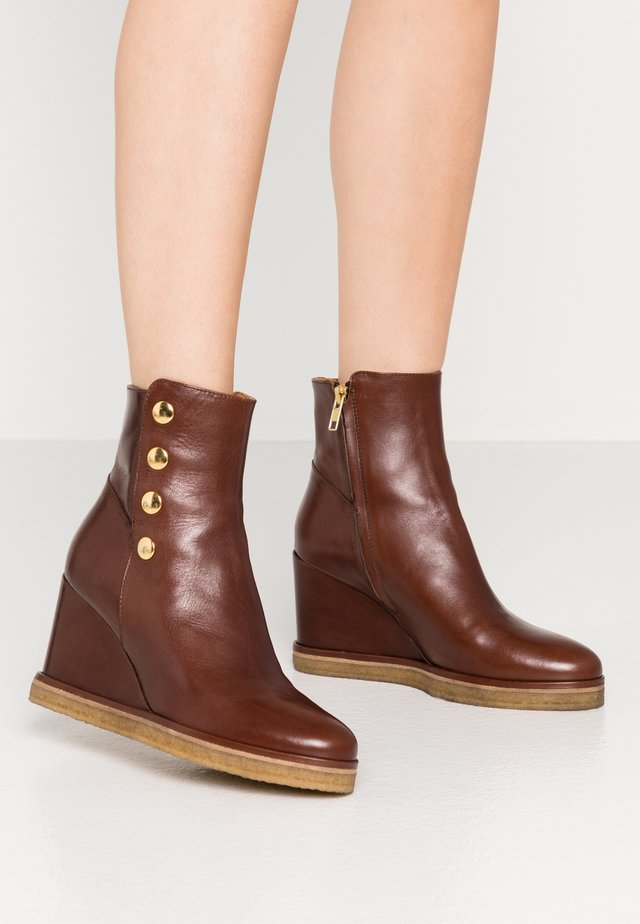 Ankle boots - nut